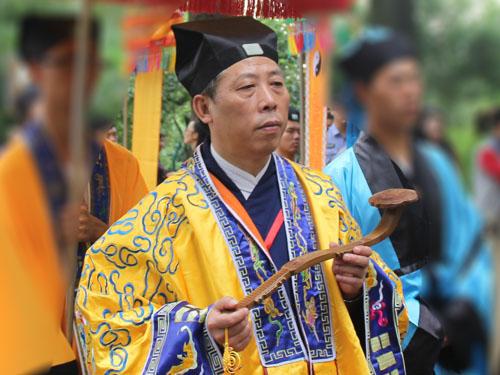 中国道教协会副会长张凤林道长
