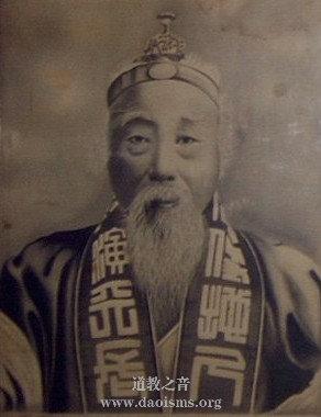 东北道教领袖葛月潭道长