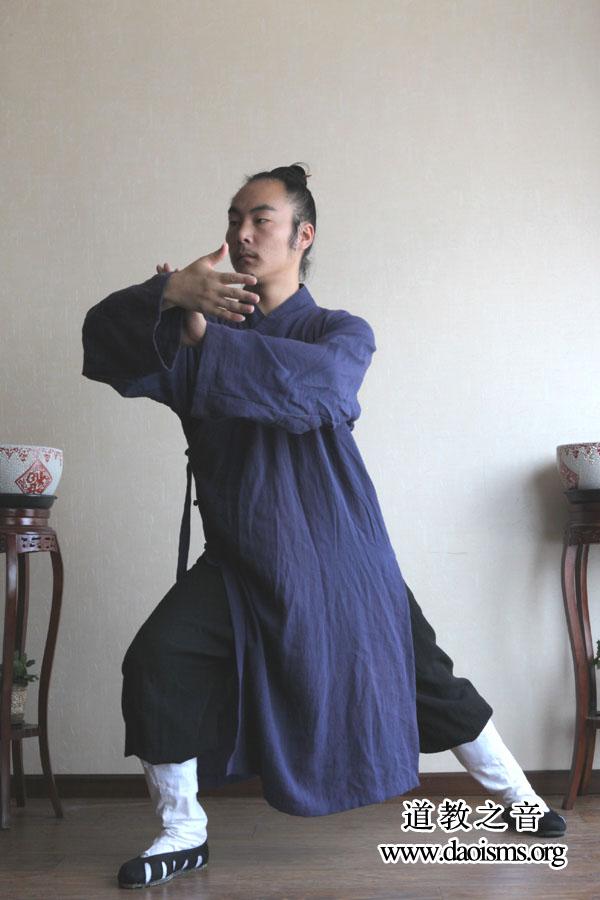 武当三丰太极拳28式 (第三式)揽雀尾式详细版