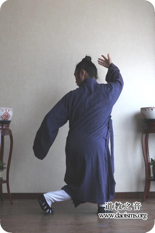 武当三丰太极拳28式第十一式  左打虎式 详解版