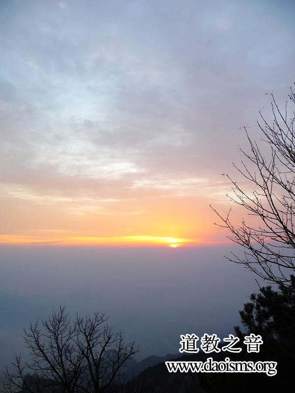 东岳泰山的日出