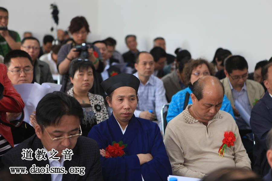 湖北省道协秘书长万建芳、副秘书长任宗权道长应邀出席