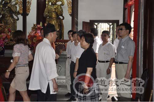 黄浦区政协主席会议成员视察佛道教场所