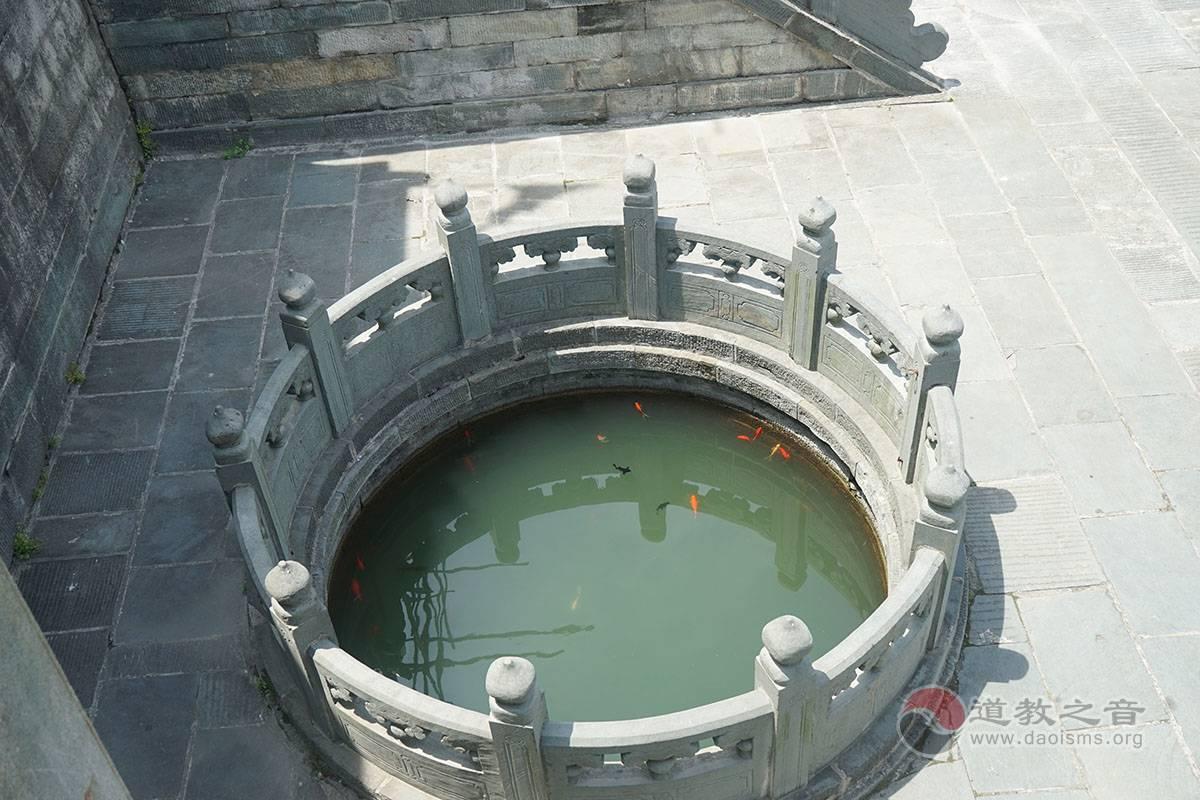 武当山琼台中观