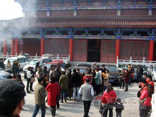 镇江润州道院举行新春接财神祈福活动