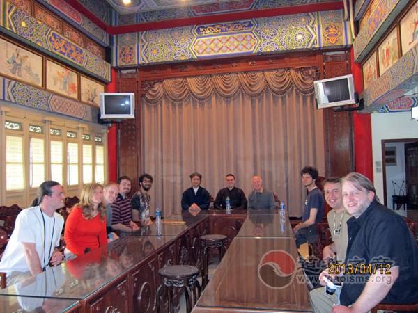 美国常青州立学院师生参访西安八仙宫