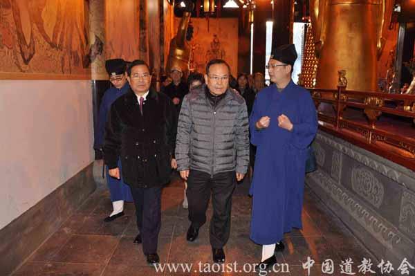 中国国民党台北市主委钟则良参访上海城隍庙