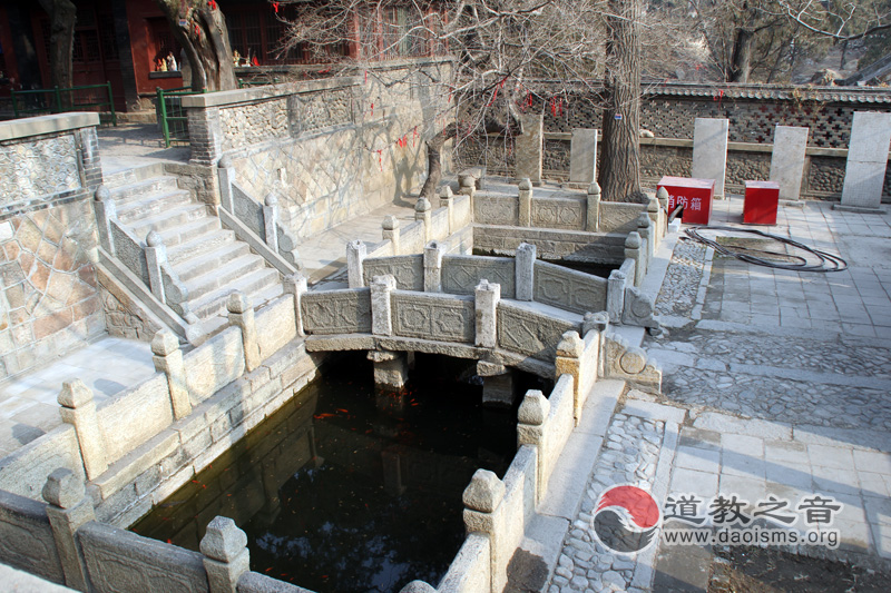 王母池道观八仙桥