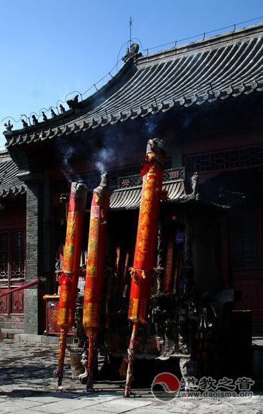 中国道教、佛教协会倡导文明敬香