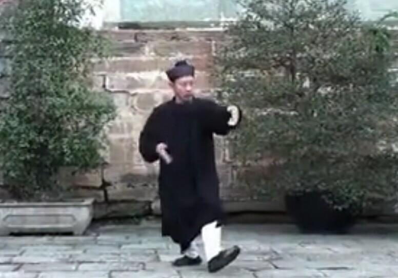 钟云龙道长武当太乙五行拳