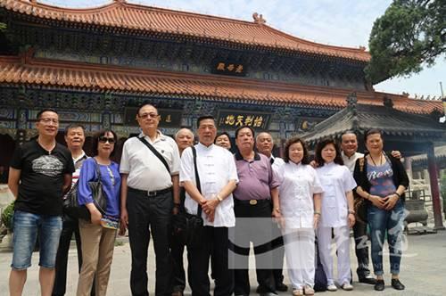 台湾五路财神庙道众一行到明圣宫参访