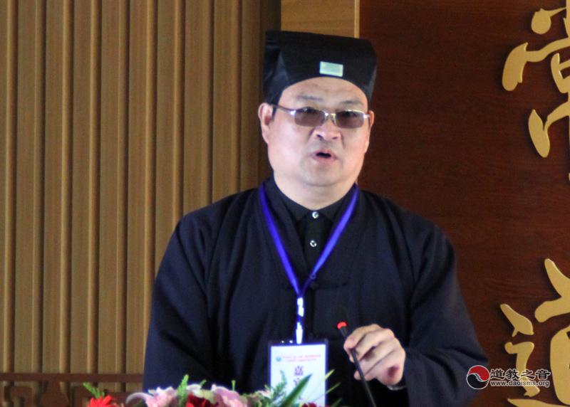 杨世华:道教服饰改革的必要性
