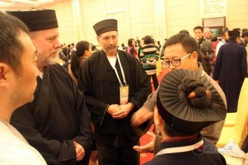 第三届国际道教论坛上的外国道士(图库)