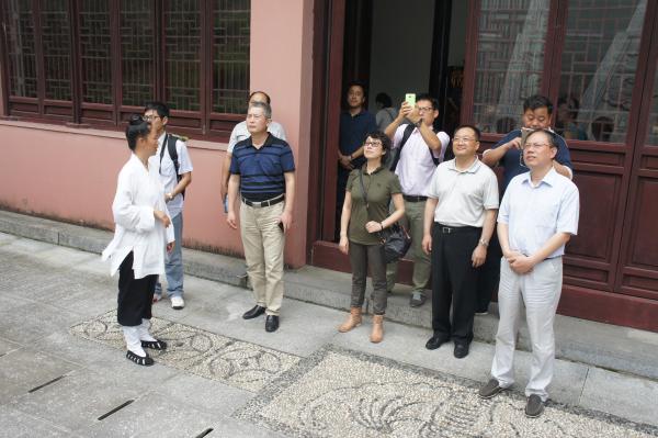 江西省民宗系统参观乾元观和天宁宝塔