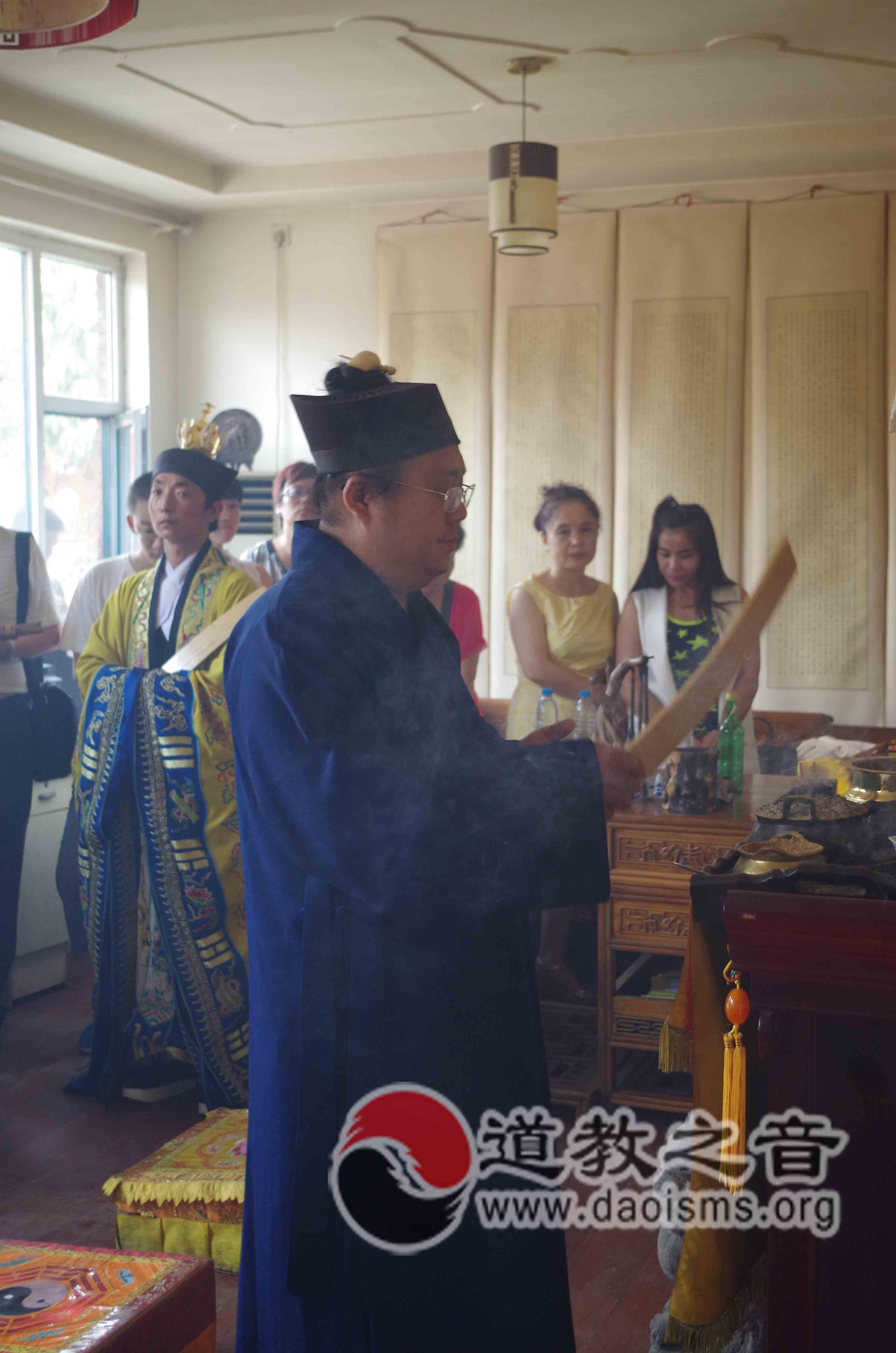 太原龙蟠宫道院举行纪念抗战胜利70周年传统庙会大型法会