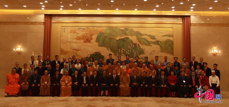 宗教界和平祈祷活动举行 杜青林会见宗教代表