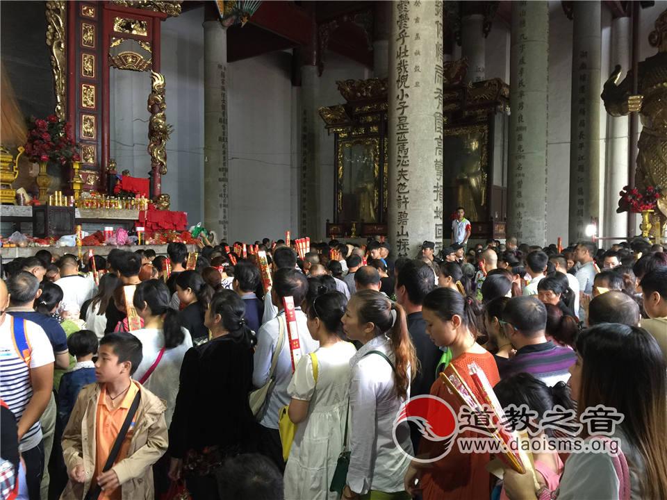 南岳大庙进香礼圣帝祈愿 还原南国故宫道教信仰
