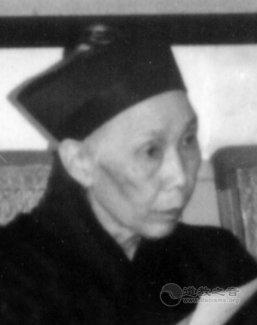 湖南省道教协会第一届副会长罗明原道长