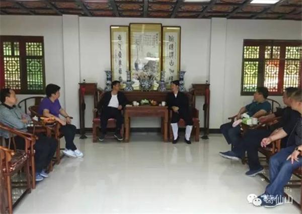 江西上饶市市长马承祖一行到葛仙山考察调研
