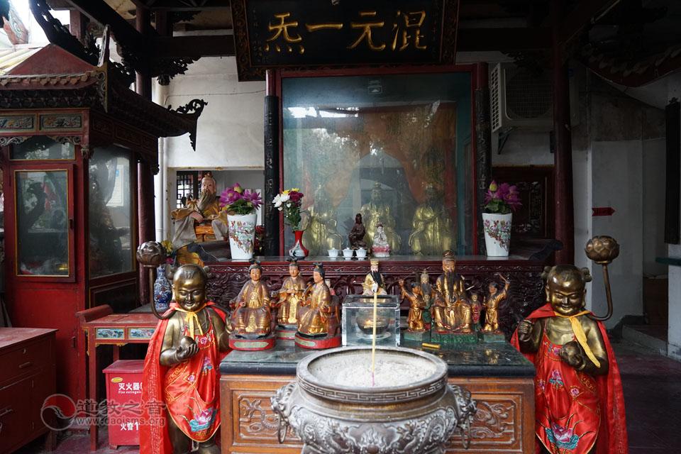裴仙宫三楼为三清殿