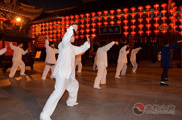 """上海城隍庙首期公益""""太极启蒙班""""正式结业"""