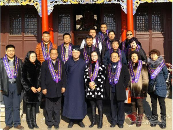 内蒙古自治区包头东河区人大调研南龙王庙