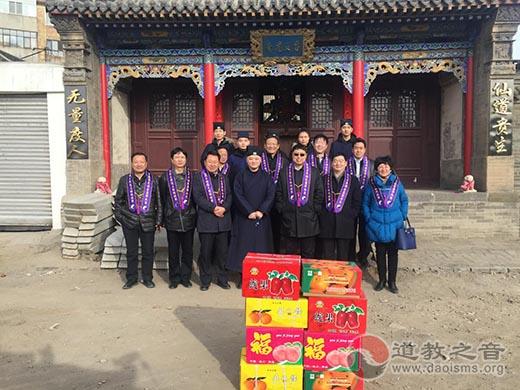 内蒙古包头市委统战部新春慰问南龙王庙