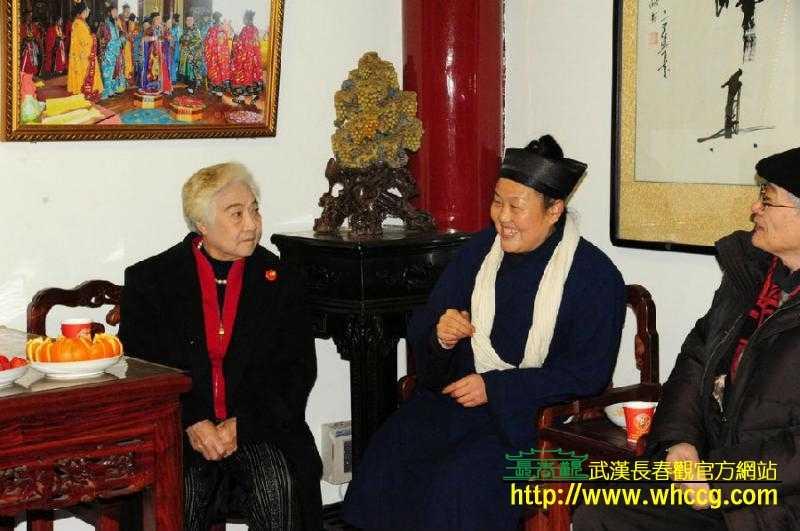 原国务院副总理吴桂贤一行访问武汉长春观
