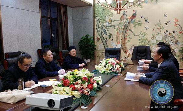 张凤林道长一行赴辽宁丹东、北镇等地考察