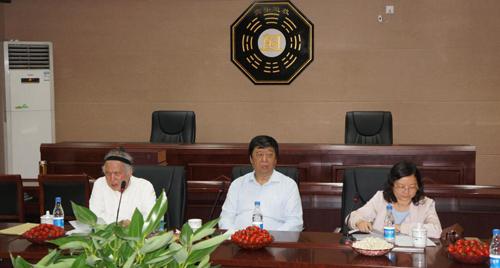 世界宗教研究所领导赴河南登封中岳庙考察