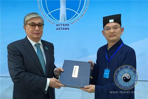 中国道协副会长吉宏忠道长出访哈萨克斯坦