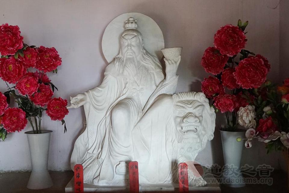 """问道木鱼庵,因梦而至常住廿年宫殿林立独缺""""玉帝"""""""