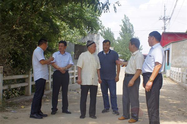 河南省道教协会为上蔡县十里铺村捐献善款