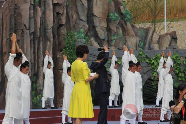 """贵州黔南举行""""福泉山三丰派联谊会""""授牌仪式举行"""