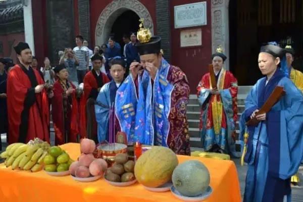 """湖北武汉长春观隆重举行恭迎""""法统""""仪式"""