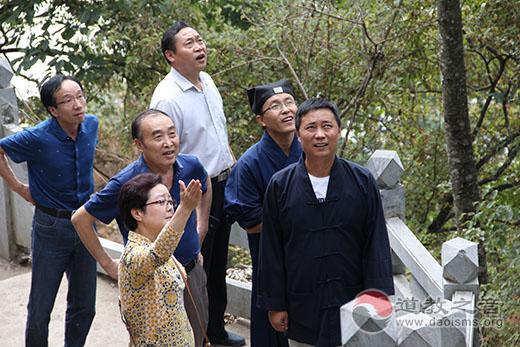 陕西安康市领导考察调研擂鼓台旅游规划发展