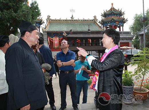 陕西榆林市副市长马秀岚在东山关帝庙调研
