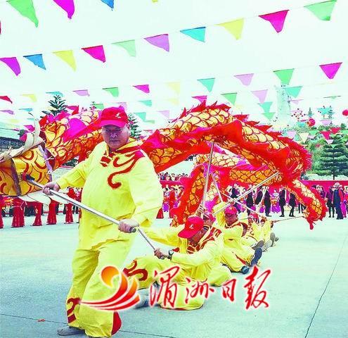 福建莆田市陈靖姑祖庙迎来台湾进香朝圣团