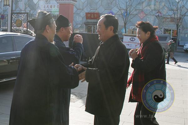 全国政协民宗委朱维群等走访慰问中国道协