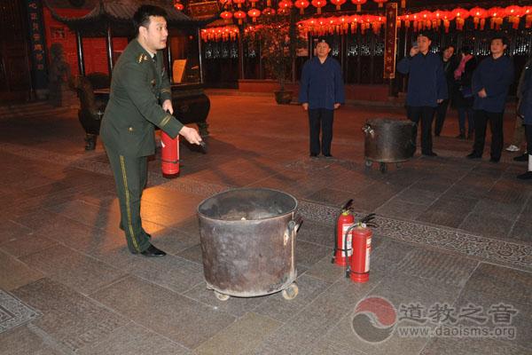上海城隍庙举办2017春节消防安全知识培训