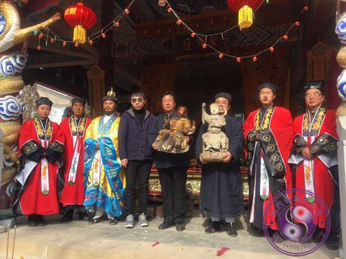 陕西富县太和宫举行真武大帝木雕像捐赠仪式