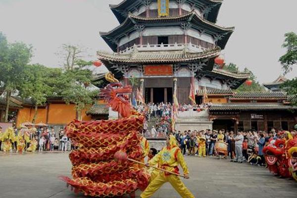 海南省安定县玉蟾宫举行大型新春庙会活动