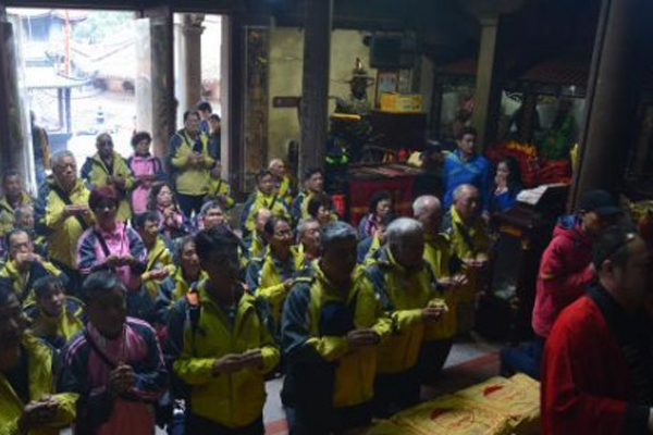 台湾高雄圣母宫参访团到福建湄洲岛进香