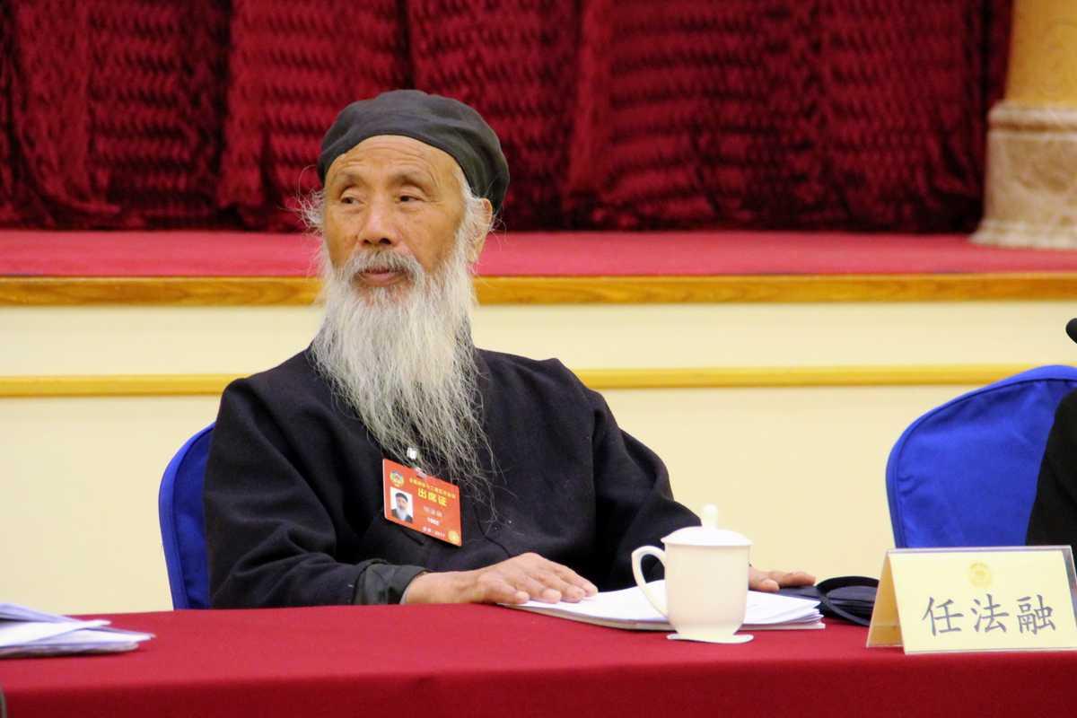 全国政协常委、中国道教协会咨议委员会主席任法融道长在3月6日小组讨论会上(图片提供中国西藏网刘莉)