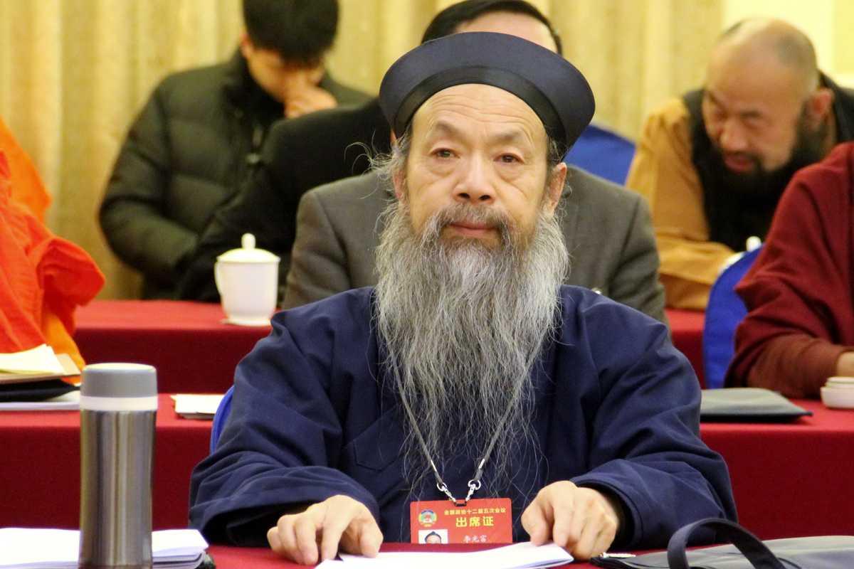 全国政协委员、中国道教协会会长李光富道长在3月6日小组讨论会上(图片提供中国西藏网刘莉)