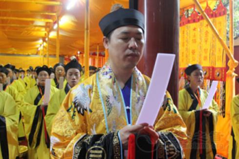 广东省道教协会副会长兼秘书长梁崇雄道长