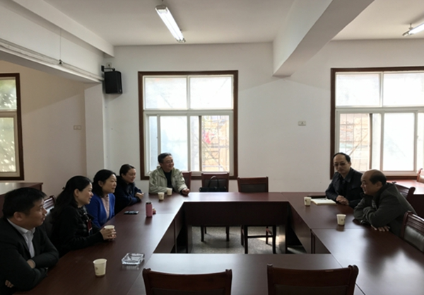 黄石市民宗局潘峰一行到湖北省道协联系工作