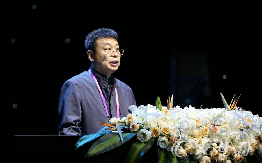 中央社会主义学院党组书记、第一副院长潘岳演讲《道教的包容性》(图片来自秦楚网)