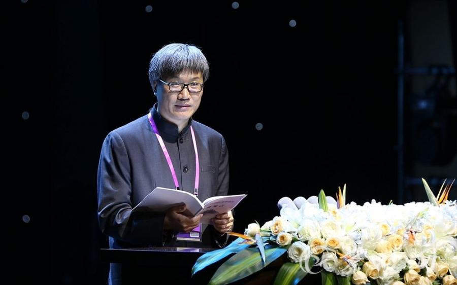 北京大学校长助理、哲学系主任王博演讲《虚无的伟大意义:道和德的另外一个方向》(图片来自秦楚网)