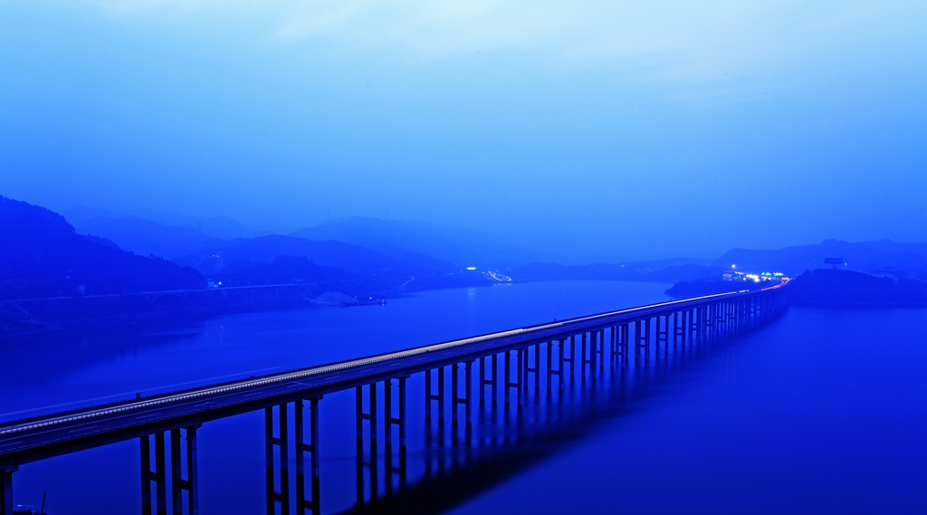 026优秀作品:太极湖夜色(摄影:杜会宾)